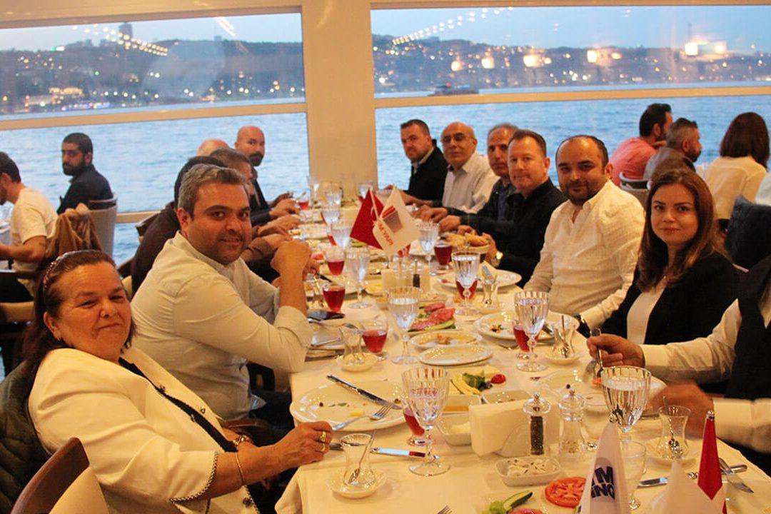لقد قمنا بعقد عشاء إفطار إسطنبول التقليدي